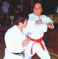 Yamaguchi Gogen im Training mit seinem Sohn Goshi
